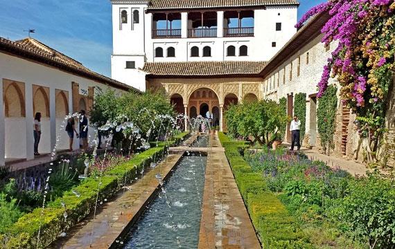 Postitse kuva Alhambra tarjoaa historian havinaa Vinkkeja Alhambraan matkustavalle - Alhambra tarjoaa historian havinaa!